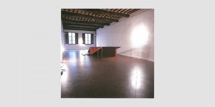 Alberto-Garutti-Stanza-con-doppia-opera-in-legno-1996-2