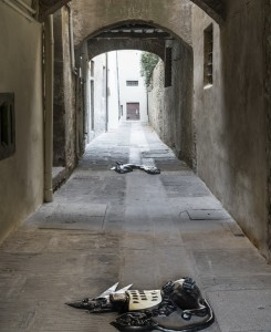 1. Entro dipinta gabbia. Enzo Cucchi, Enrico David. Casa Masaccio centro per l'arte contemporanea. Exhibition view. Foto OKNOstudio