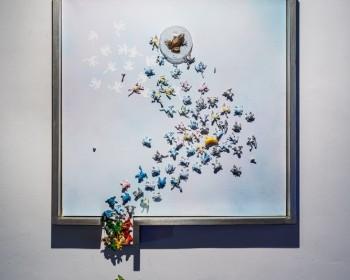 17_Cinzia Ruggeri, Piovono Rane, 2018, mixed media, plastic frogs, artist frame, 80 x 60 x 10 cm (framed), ph OKNOstudio