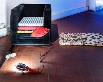 19_Cinzia Ruggeri, Casa Masaccio Centro per l'Arte Contemporanea, installation view living room, first floor entrance on the right side, ph OKNOstudio