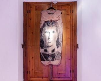 41_Cinzia Ruggeri, Piero Della Francesca, 1980 c.a., fabric garment with headpiece, dimensions variable, ph OKNOstudio