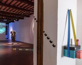 9_Cinzia Ruggeri, Casa Masaccio Centro per l'Arte Contemporanea, installation view living room, first floor entrance on the right side, ph OKNOstudio