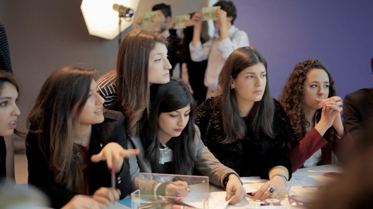 3-adelita-husni-bey-agency-giochi-di-potere-2014-video-still