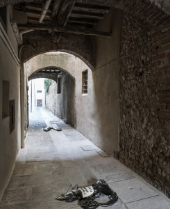3. Entro dipinta gabbia. Enzo Cucchi, Enrico David. Casa Masaccio centro per l'arte contemporanea. Exhibition view. Foto OKNOstudio