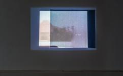 13_ Lee Kit, It's all in a game, 2018. Video in loop sonoro, oggetti readymade. Courtesy l'artista e galleria Massimo De Carlo, MilanoLondraHong Kong. Foto