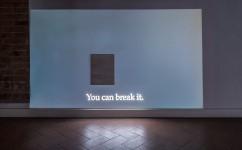 16_Lee Kit, Your neck, 2016. Acrilico su compensato, video in loop. Courtesy l'artista e galleria Massimo De Carlo, MilanoLondraHong Kong. Foto OKNOstudio.