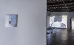 18_ Lee Kit, Linger on, your lit-up shade, Casa Masaccio Centro per l'Arte Contemporanea. Veduta della mostra. Foto OKNOstudio.