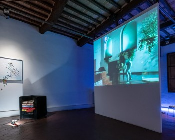 21_Cinzia Ruggeri, Casa Masaccio Centro per l'Arte Contemporanea, installation view living room, first floor entrance on the right side, ph OKNOstudio